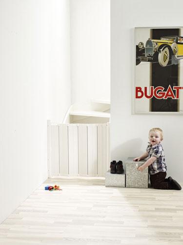 Babydan Guard Me összecsukható ajtórács 55-89 cm